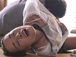 【四十路熟女】夫が寝ている横で実の息子に犯され声を抑えて悶絶