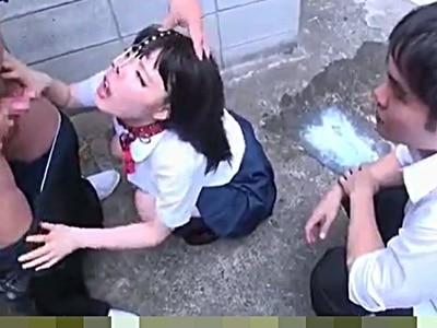 好きな女の子が体育教師にヤラれてた・・・。気を取り直して浣腸液をアナルプラグで栓をする鼻フック変態JKにフェラ抜きさせる